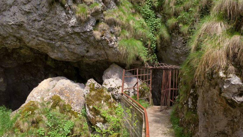 Ягодинска пещера - Дяволско гърло – Пампорово – Смолян – Бачковски манастир – Асенова крепост