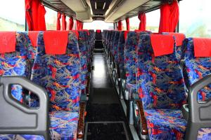 Автобус под наем Ивеко